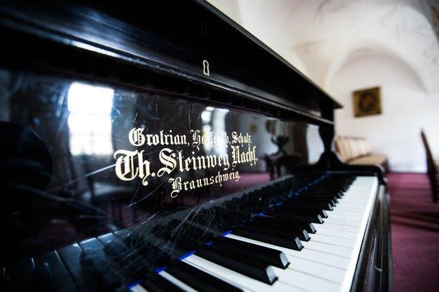 Konzertflügel von Steinweg